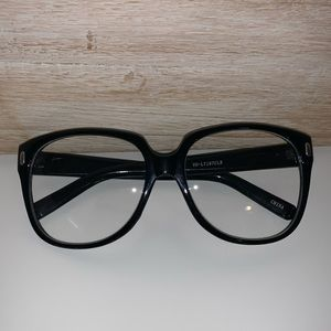 EUC Urban Outfitters large lens readers